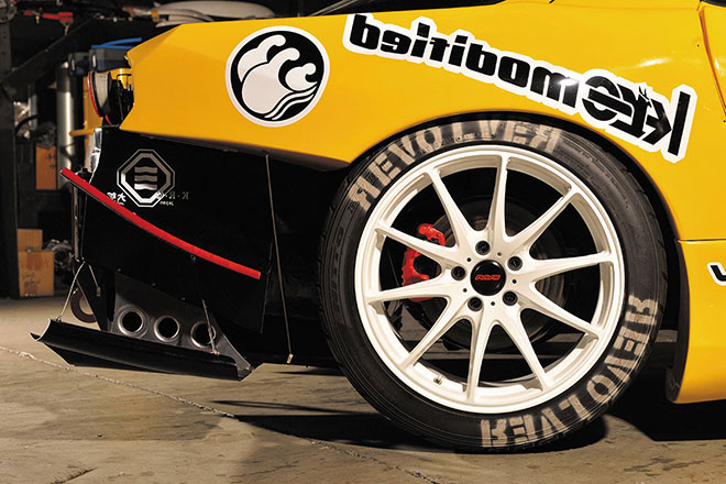 10.5インチ幅のコンケイブはVOLK Racing G25 鍛造リム