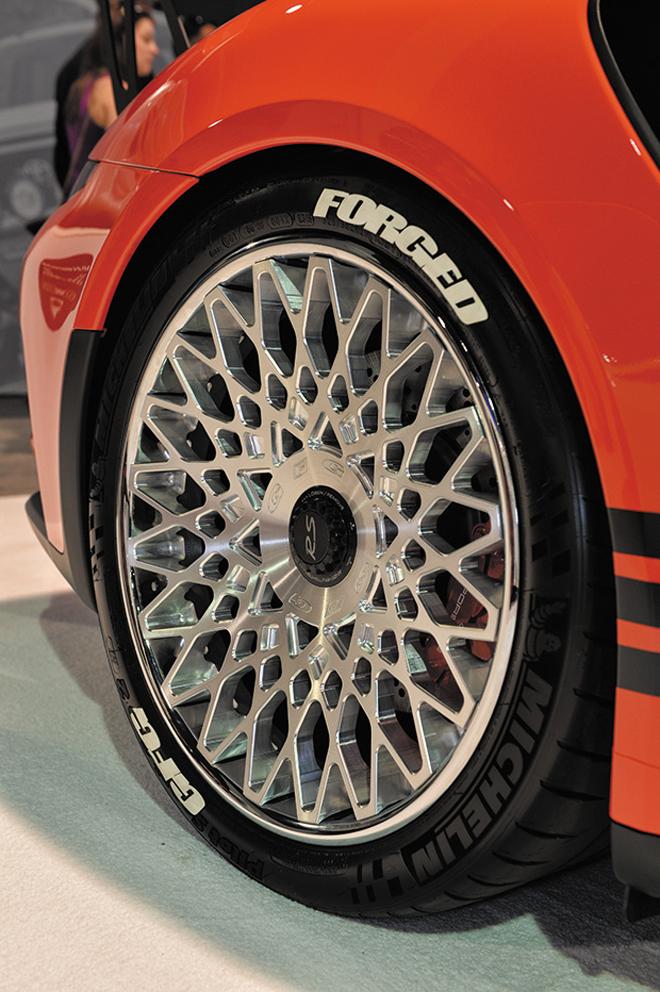 GFGからポルシェ911 GT3 RS専用設計のセンターロック式FM-808