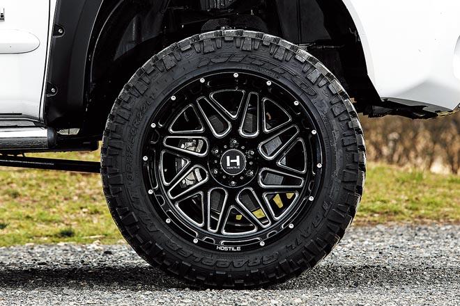 35サイズのM/Tタイヤを装着