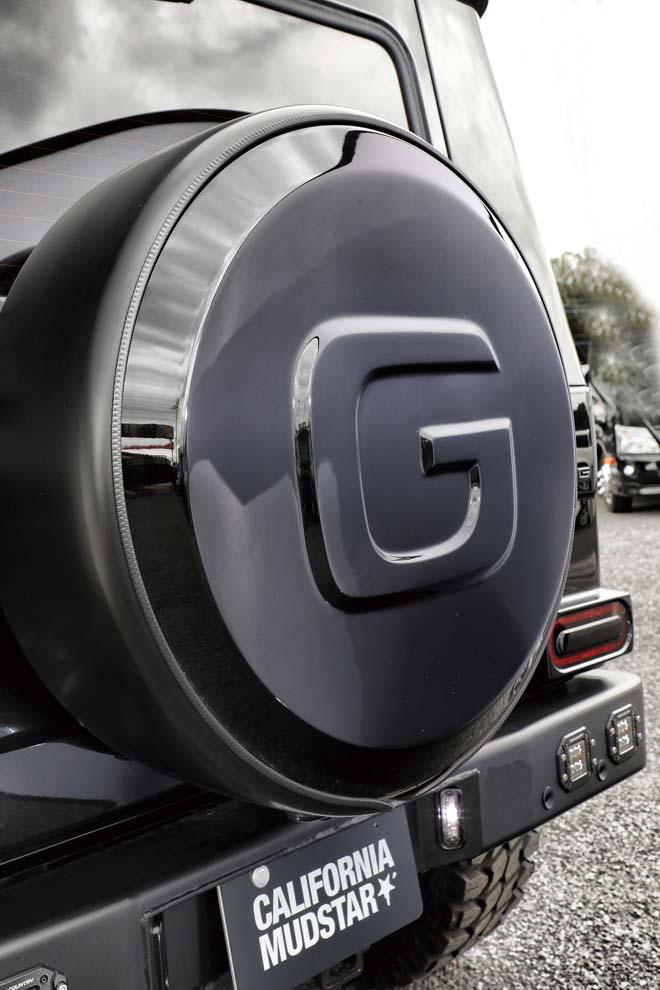 「G」のロゴが入る背面タイヤカバー