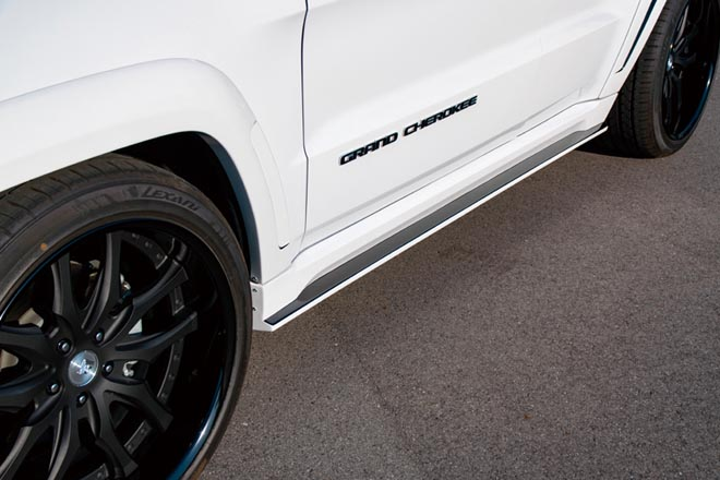 ノーマル+αのタイヤが装着可能オーバーフェンダーはフロントが1ピース、リアが2ピース