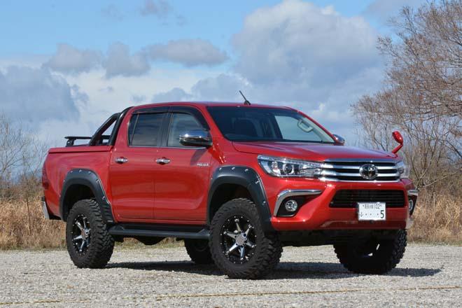 PRO-FORM SPORTLID V with TOYOTA HILUX